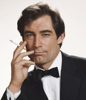 Bond - Timothy Dalton - Profile (2)