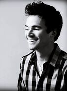 Ian-Harding-ian-harding-21745729-898-1210