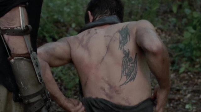 Daryl Dixon de The Walking Dead Daryl-dixon-tattoos-300x225