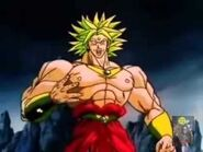 Broly sorprendido porque goku detuvo su ataque.