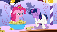 Pinkie Pie sticking out of sponges S1E20