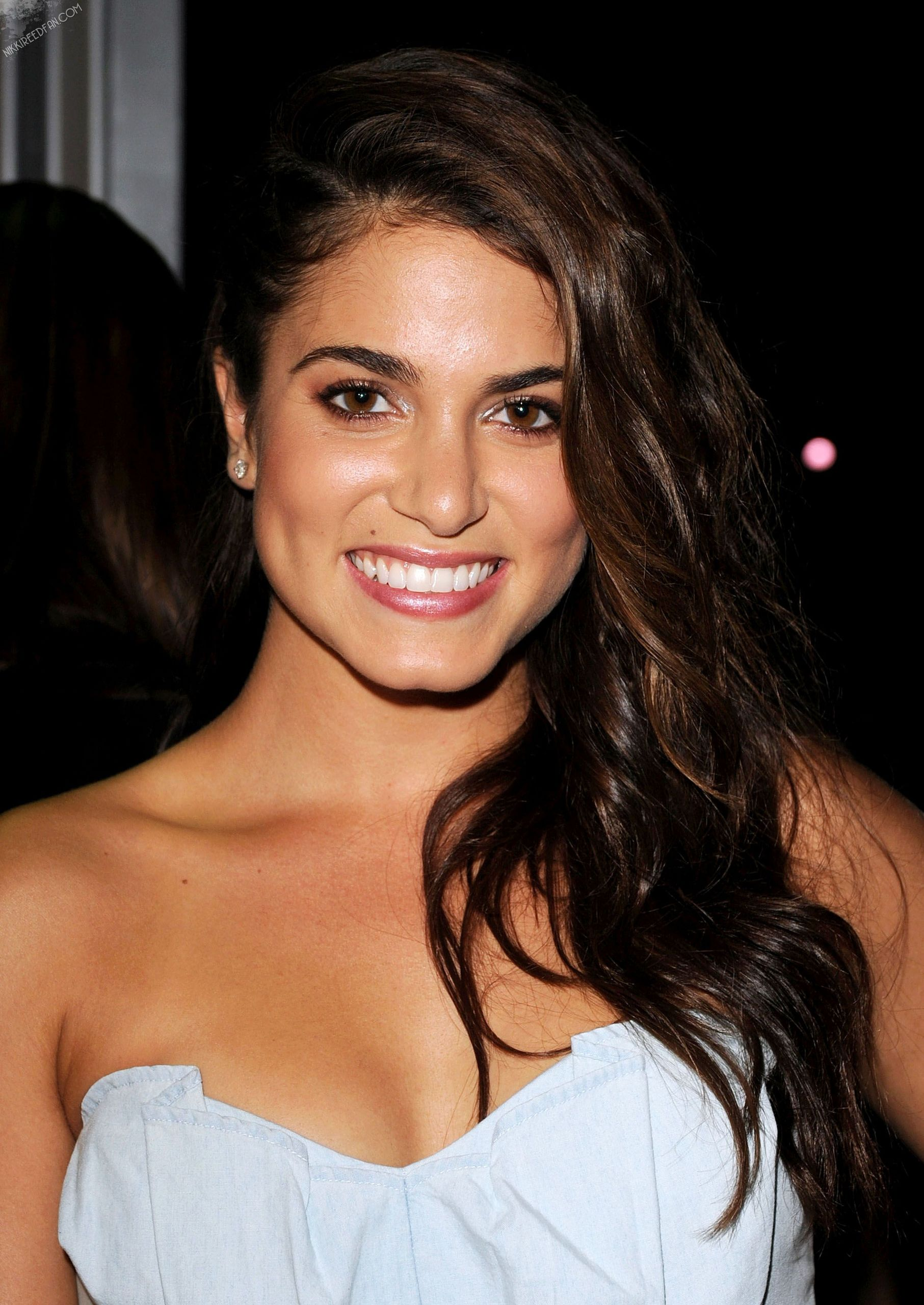 http://images1.wikia.nocookie.net/__cb20130318203447/twilightsaga/pl/images/d/d8/Nikki_Reed.jpg