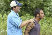 Jeff-probst-brandon-hantz-survivor-caramoan-350x235