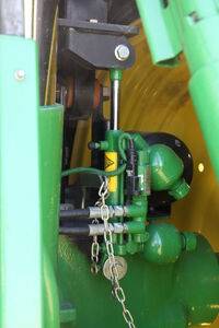 John Deere cab suspension - IMG 9139