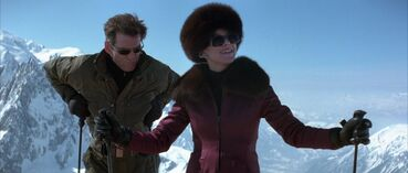 The World Is Not Enough - Bond and Elektra take to the slopes