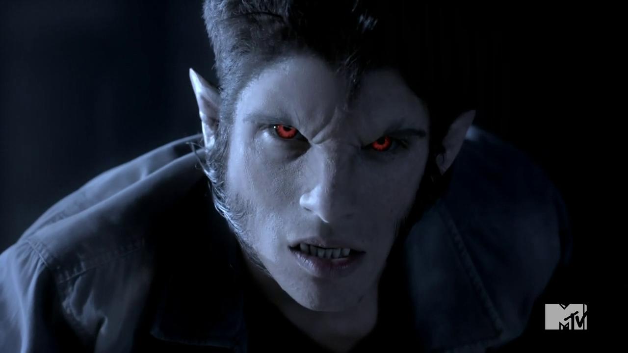 Fiesta de Halloween en casa. (Libre, todos.) Teen_Wolf_Season_3_Episode_5_Frayed_Tyler_Posey_Scott_McCall_Alpha_Eyes