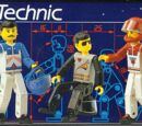 8714 The LEGO TECHNIC Guys