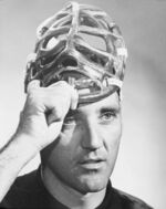 http://images1.wikia.nocookie.net/icehockey/images/thumb/5/5d/Jacques_Plante_masque.jpg/150px-Jacques_Plante_masque.jpg
