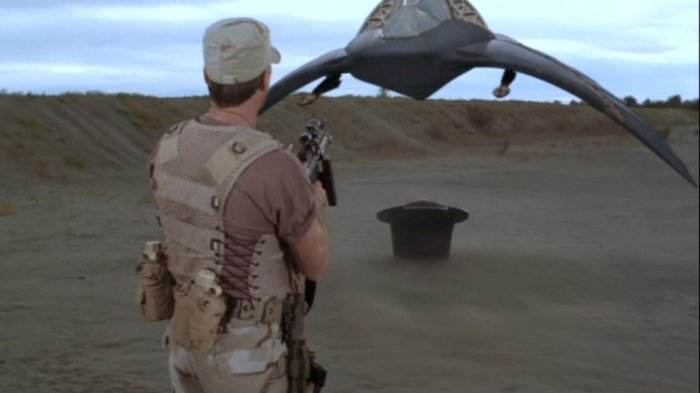 http://images1.wikia.nocookie.net/stargate/images/d/d7/Death_glider_2.jpg