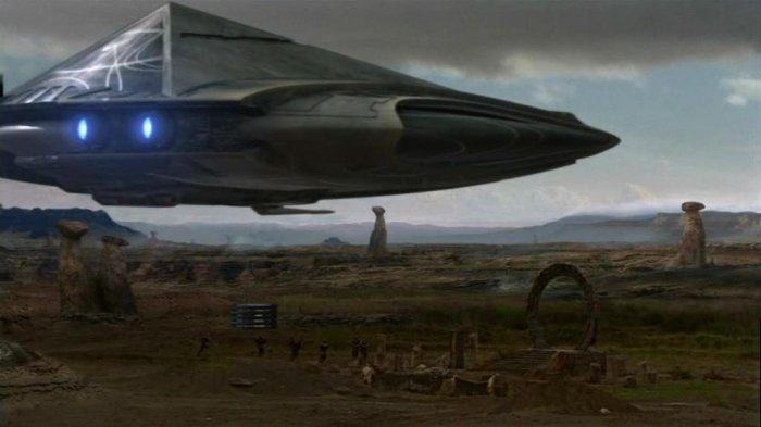 http://images1.wikia.nocookie.net/stargate/images/e/e9/Droping_off_troops.jpg